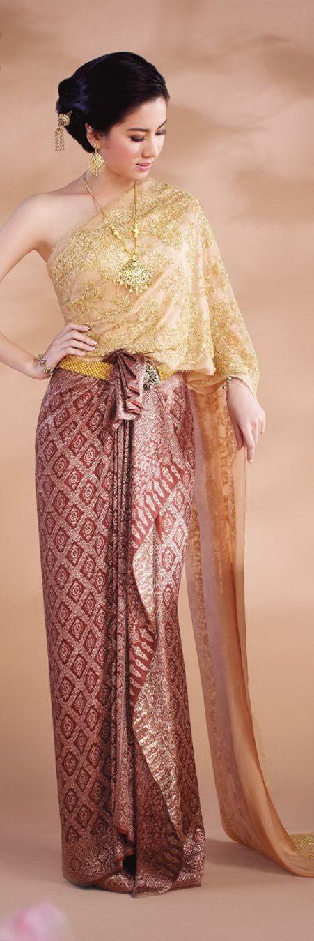 Traditional Thai dresses http://www.we-mag.com/