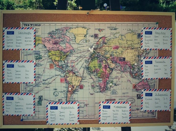A great example of a world map themed seating plan. Genial #Seatinplan para novio viajeros!