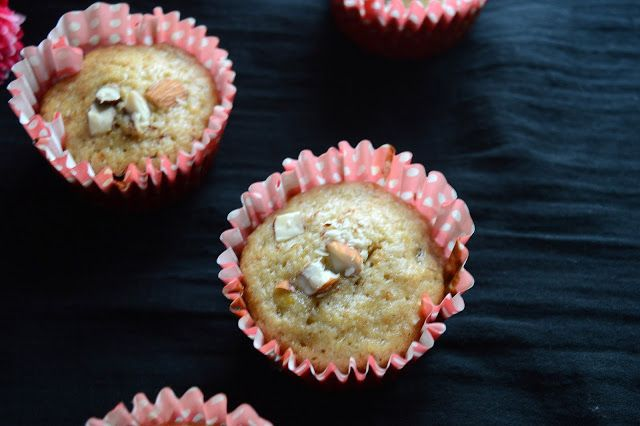 Babi 's Recipes: Banana Oats Muffins   Breakfast Muffins