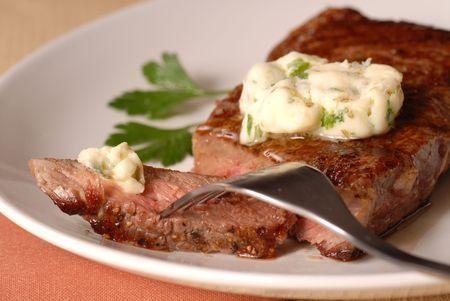 Recette de la sauce béarnaise maison, facile et rapide !