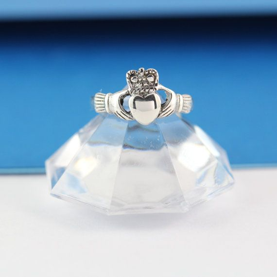 Sterling silver Claddagh Ring Stunning Claddagh by LifeOfSilver, $23.80