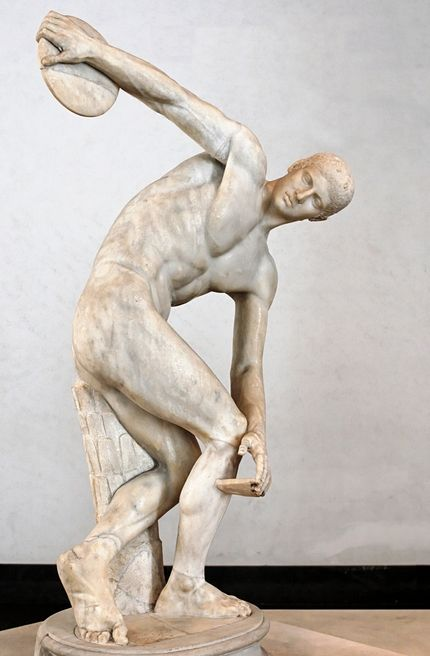 Myron, le discobole sculpture classique, statuaire masculine, athlète, restitution des détails de la chair, balancement du corps. Rapprochement progressif avec la réalité.