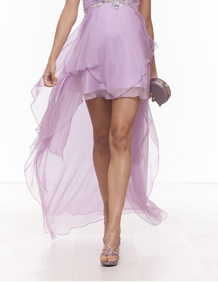 Gonne corte che scivolano con una morbida coda slanciando la gamba e snellendo la figura #dress #moda #specialevent