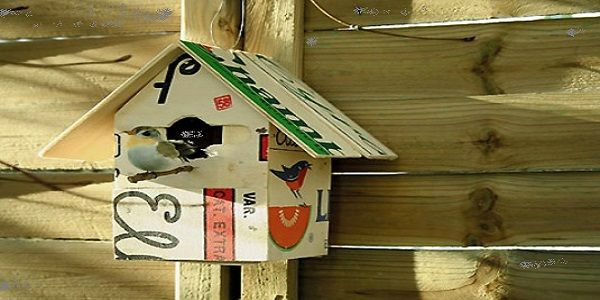 Cute DIY Backyard Design for Summer with Quirky Recycled Crate Birdhouse