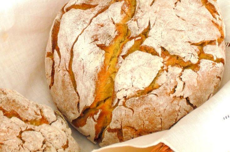 Uma iguaria e um dos pães tradicionais de Portugal, feito em Avintes (Vila Nova de Gaia), também conhecido como Boroa de Avintes. Devido á sua composição é um pão que pode ser utilizado em diversos outros pratos, especialmente em pratos do Norte de Portugal.A Broa de Avintes é um pão feito a partir de farinha de milho, centeio e malte, como tal tem um aspeto castanho escuro com um sabor agridoce, normalmente polvilhado de farinha depois de este ter sido cozido lentamente, normalmente tem o…