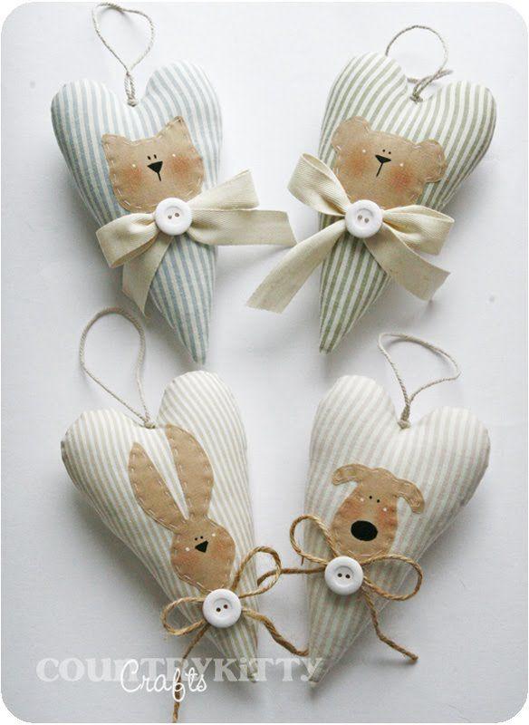 Corações com Estampadinhos com Carinhas de Bichinhos e Laçarotes