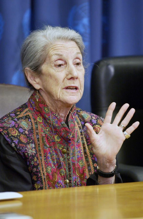 """Nadine Gordimer - """"The moment before the gun went off"""" - Apartheid, South-Africa"""