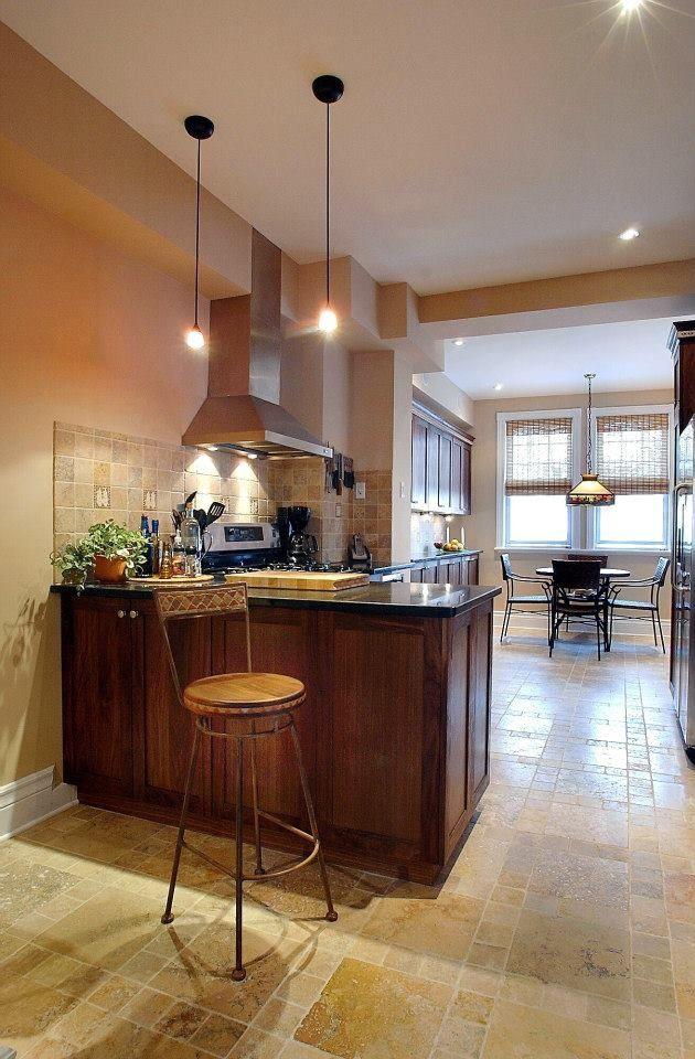 17 meilleures id es propos de comptoirs en granit noir for Moulure armoire cuisine