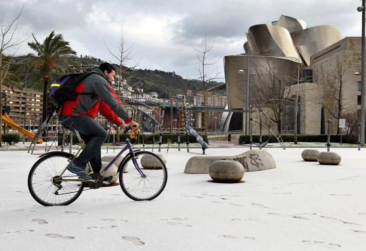 El Guggenheim nevado: El Guggenheim, Guggenheim Nevado, Bilbao, Snow
