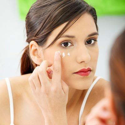 Tipps und Mittel gegen Falten: So hilft Anti-Falten-Creme gegen Falten, sie strafft Ihr Gesicht und zaubert ein strahlendes Aussehen ...