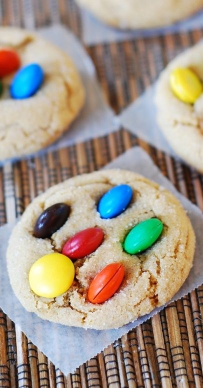 M and M peanut butter cookies: They are so soft and chewy, almost like a brownie - they have crackles on top! | JuliasAlbum.com | crackle top cookies