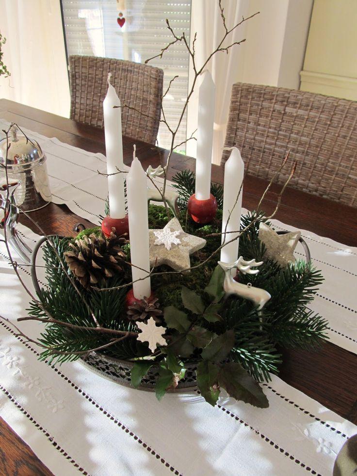 Spätestens nachdem es heute den ganzen Vormittag wie aus Kanonen geschneit hat, macht sich dieses wohlige, geliebte Weihnachtsgefühl breit. ...