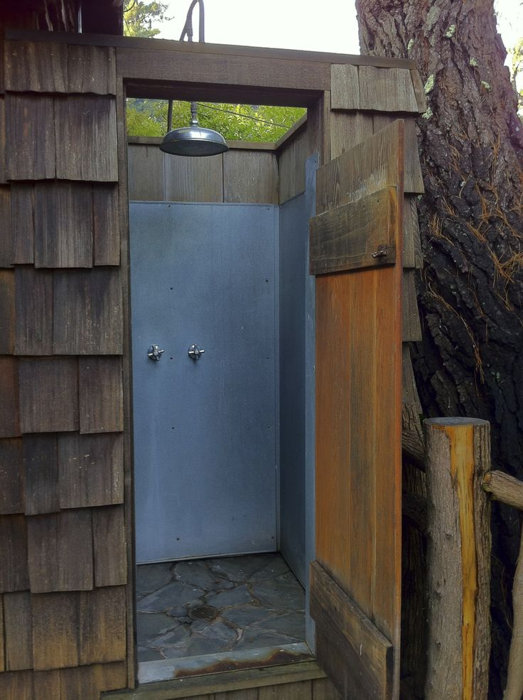 1000 images about outdoor shower on pinterest outdoor for Outdoor shower doors