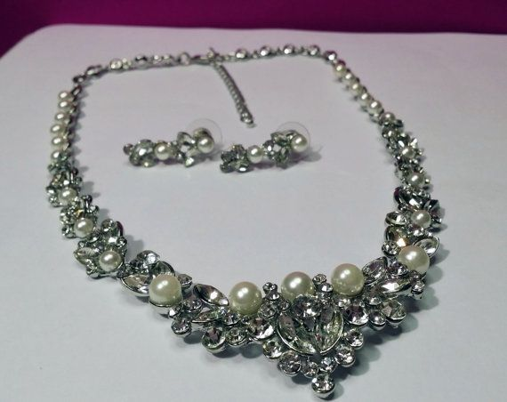 Classic Crystal Pearl Bridal Set  Wedding Pearl Set  by BYTWINS, €55.00