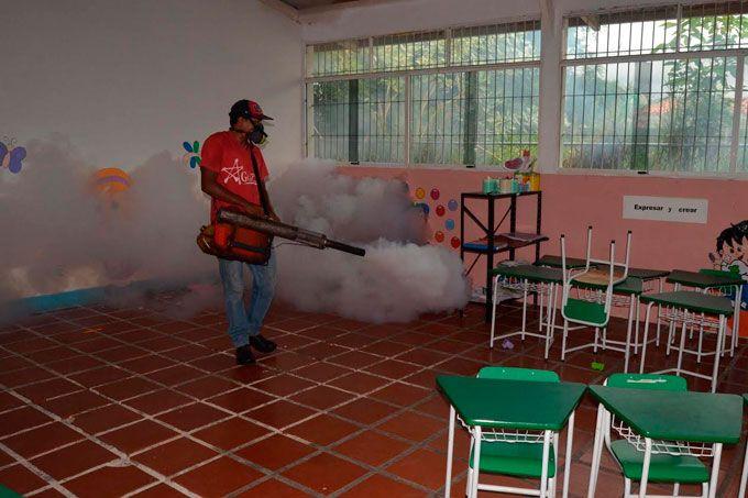 Impulsan salud preventiva con jornadas de fumigación en Guacara