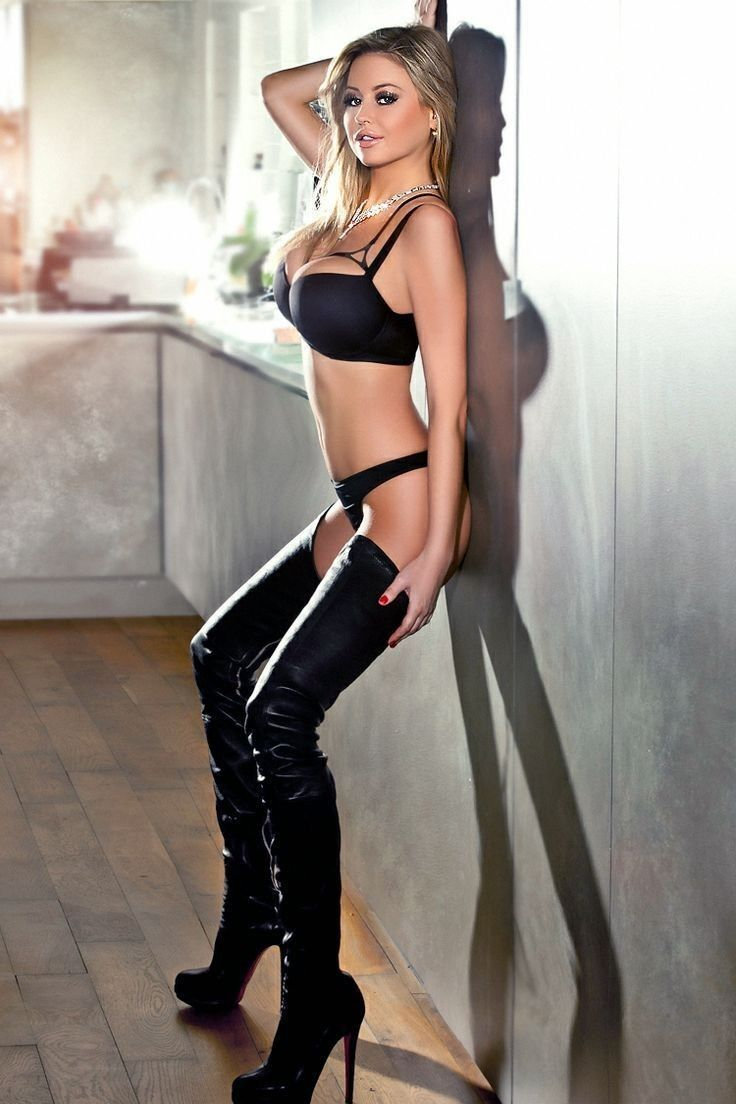 Sexy Blonde Modeling Black Leather Thigh Boots  Style -8615