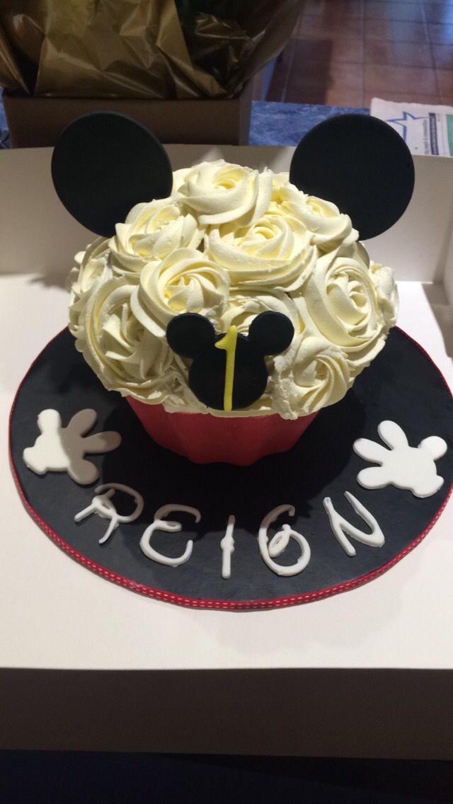 Mickey Mouse big cup cake for cake smash