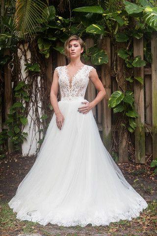 Berta 39 171 39 size 4 new wedding dress nearly newlywed for Nearly new wedding dresses