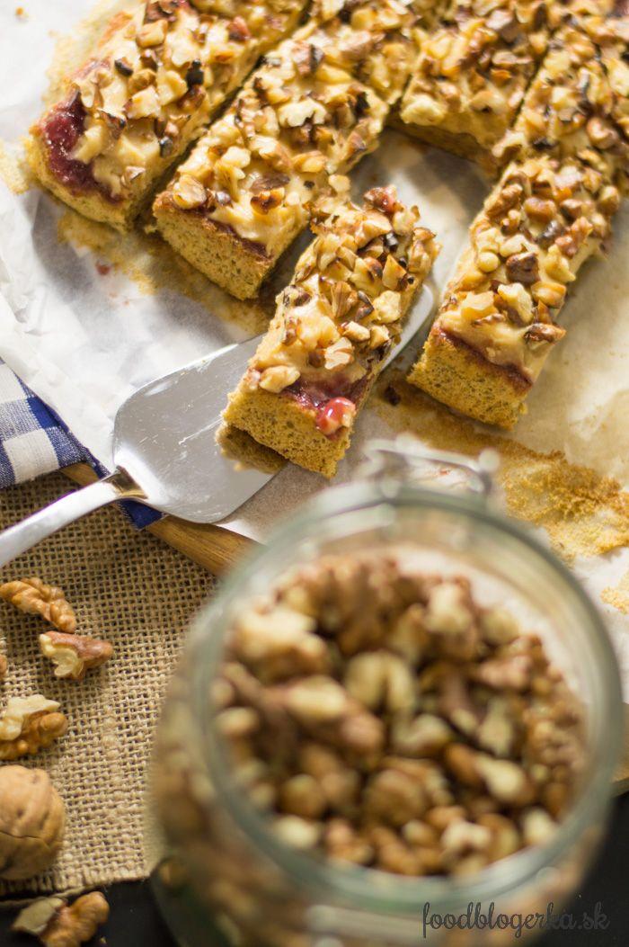 Gluten free walnuts caranel cake Bezlepkový orechový koláč s karamelovým krémom