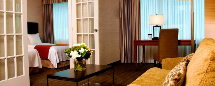 experience a suite downtown Toronto hotel – your place in the city