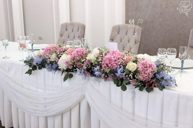 Aranjament floral prezidiu