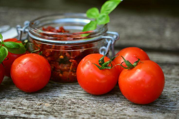 Máte hodně rajčat? Poradíme, jak je uchovat až do jara | i-Senior.cz