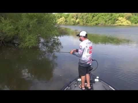 In the boat with Greg Hackney! - how to skip and swim a jig