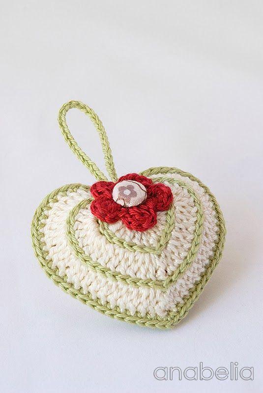 Crochet heart by Anabelia, with chart  ✿Teresa Restegui http://www.pinterest.com/teretegui/✿