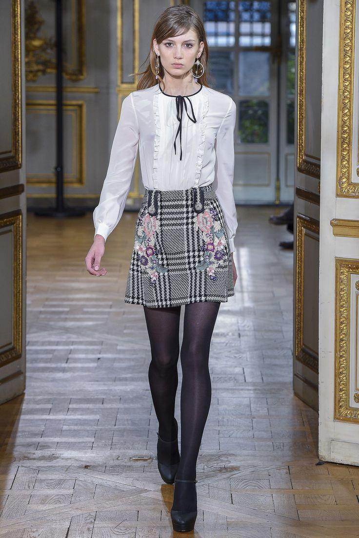 Zuhair Murad Fall 2017 RTW: I would wear this outfit in a heartbeat! Adorable white blouse with a fabulous plaid mini skirt with flowers.