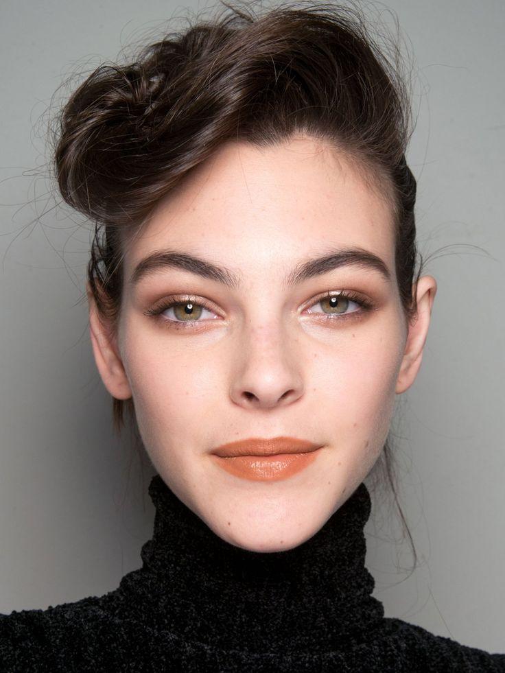 72 best models images on pinterest clothing maquiagem and milan fashion weeks. Black Bedroom Furniture Sets. Home Design Ideas