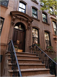 carrie bradshaw's classic apartment