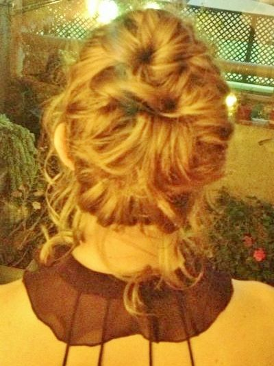 MESSY BUN, BY MY HANDS