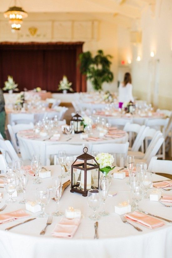 Calm and beachy wedding decor at a relaxed seaside wedding day captured by Aga Jones Photography http://www.weddingchicks.com/2014/04/10/beach-theme-diy-wedding-aga-jones-photography/