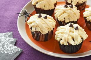 Low-Fat Chocolate Mummy Cupcakes Recipe — Dishmaps