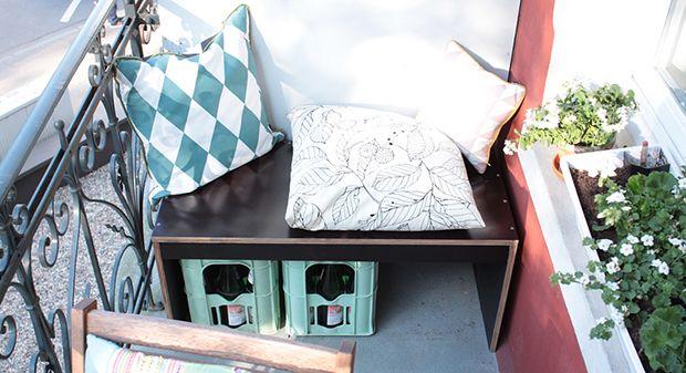 best 25 balcony bench ideas on pinterest apartment. Black Bedroom Furniture Sets. Home Design Ideas