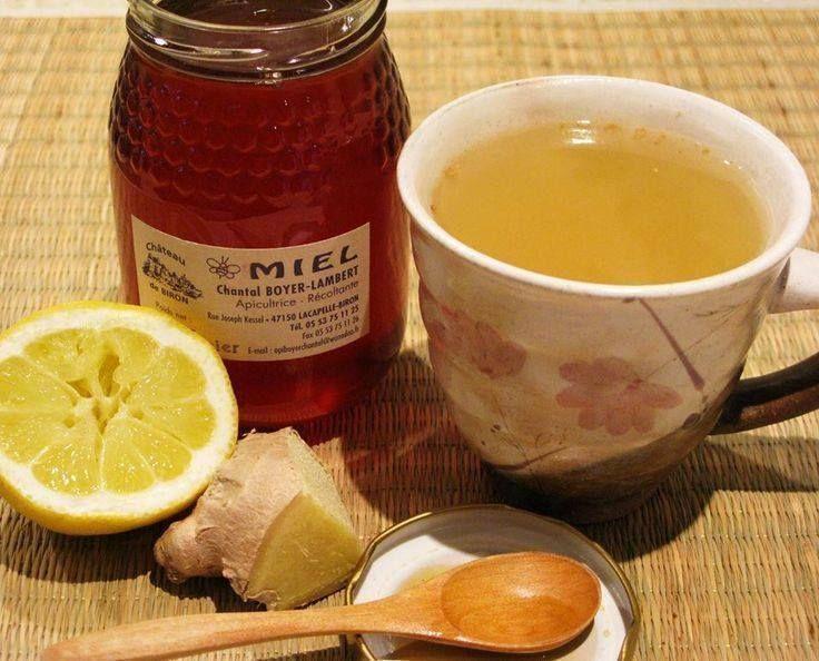 """[HIVER] """"La Potion des initiés"""" pour augmenter votre immunité, être en pleine forme:  De l'eau, du gingembre frais, du jus de citron et du miel. Rajouter le jus de citron et le miel après avoir chauffée l'eau."""