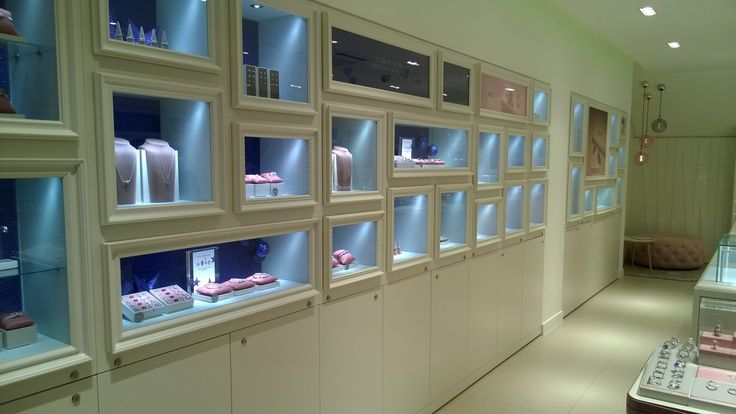 Stunningly simple shop fit for the new Pandora Jewellery store in Market Harborough