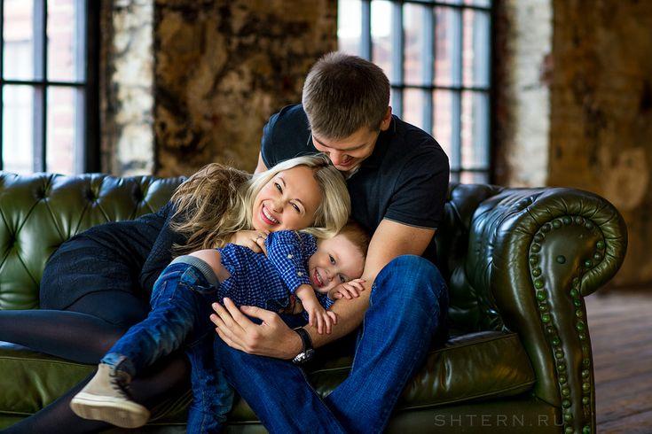 ПОРТФОЛИО - СЕМЬЯ - Профессиональный семейный фотограф в Москве Екатерина Штерн - семейные фотосессии дома, на природе или в студии. Семейные фотосессии на прогулке в Москве.