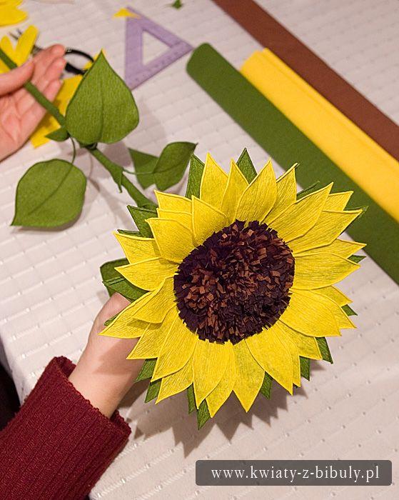 Kurs wykonania słoneczników z bibuły | Kwiaty z bibuły | Rękodzieło | Bibułkarstwo