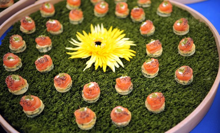 Canape trays with grass turf flowers by payne gunter for Canape trays