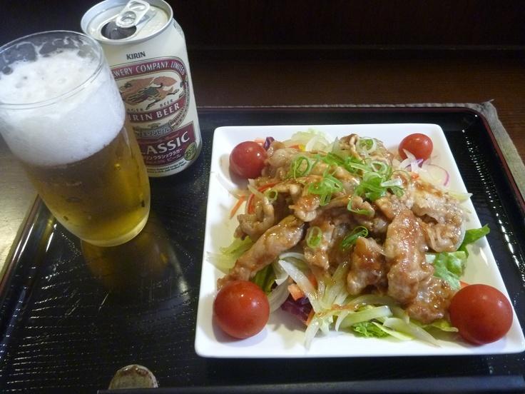豚の生姜焼き on サラダ