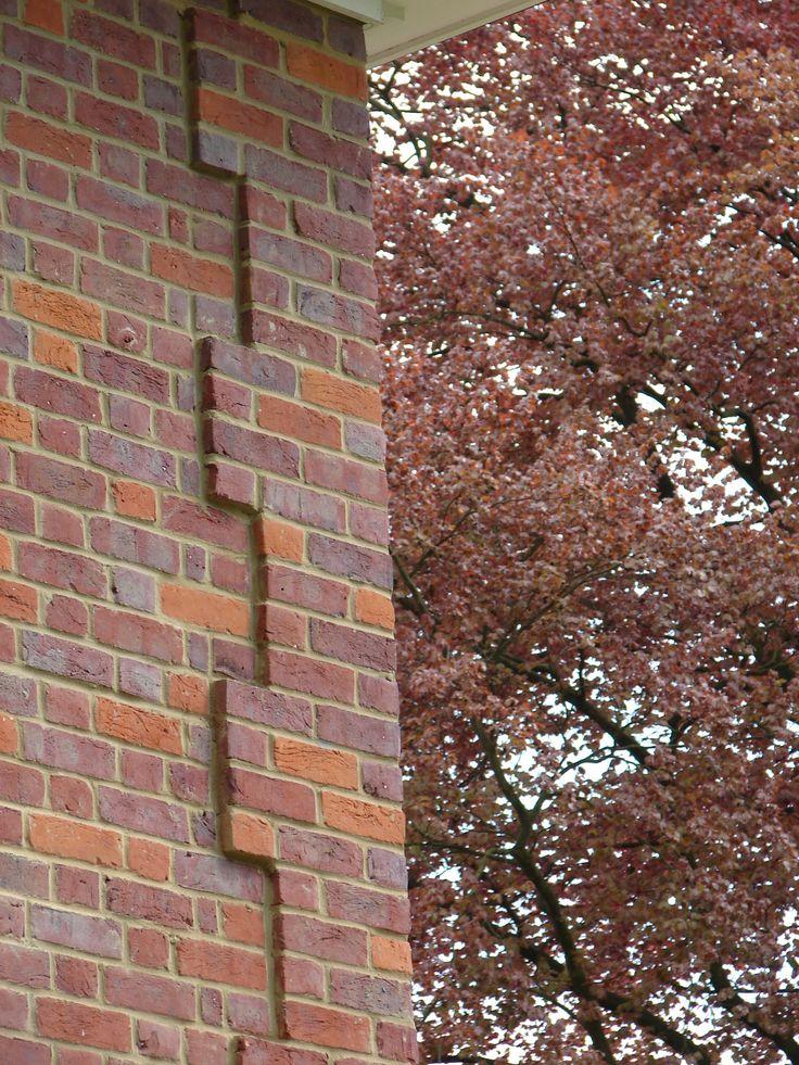 Corner Detail Medium Dark Bricks