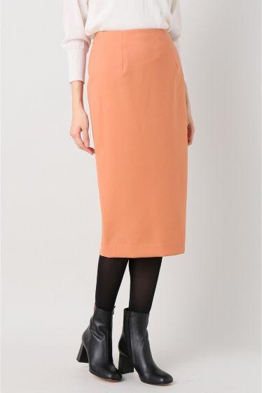ダブルクロスタイトスカート  ダブルクロスタイトスカート 9720 2016AW Limitless Luxury オフィスシーンにも対応できるきれい目のシルエットと素材感のスカートです ブラウスやハイゲージのニットに合わせて女性らしいスタイリングに 取り扱いについては商品についている品質表示でご確認ください 店頭及び屋外での撮影画像は光の当たり具合で色味が違って見える場合があります 商品の色味はスタジオ撮影の画像をご参照ください ホワイト着用スタッフ身長168cm 着用サイズフリー オレンジホワイト着用スタッフ身長154cm 着用サイズフリー モデルサイズ:身長:167cm バスト:80cm ウェスト:60cm ヒップ:85cm 着用サイズ:34