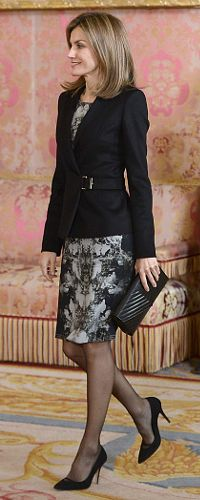 Queen Letizia at the Girona Foundation meeting wearing the Hugo Boss Jesila blazer. 19 Dec 2014