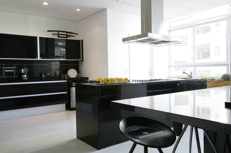 Cozinha Em F 243 Rmica Brilhante Preta E Laminado Em Pau Ferro