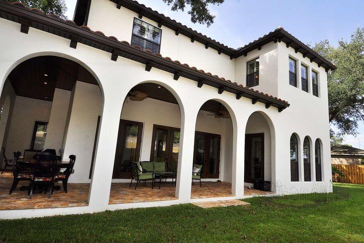Hermosa casa de estilo colonial moderno la casa cuenta for Diseno exterior casa contemporanea