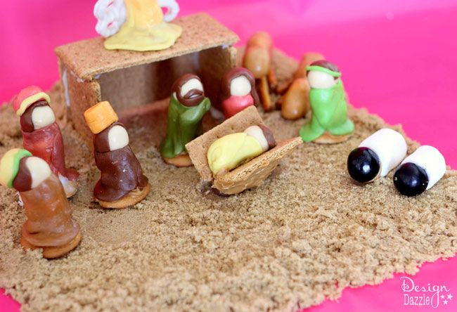 Take graham cracker houses to the next level and create a Honey Maid graham cracker nativity scene. A fun activity for the whole family this holiday season!