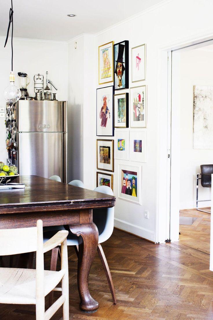 Det gamla slitna 30-talshuset fick nytt liv när familjen Pielage flyttade in. Nu bor familjen i en modern funkisdröm med klassiska och bohemiska inslag.