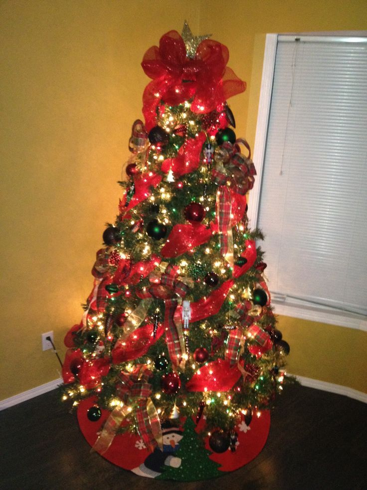 521 best christmas trees images on pinterest christmas for Red ribbon around tree