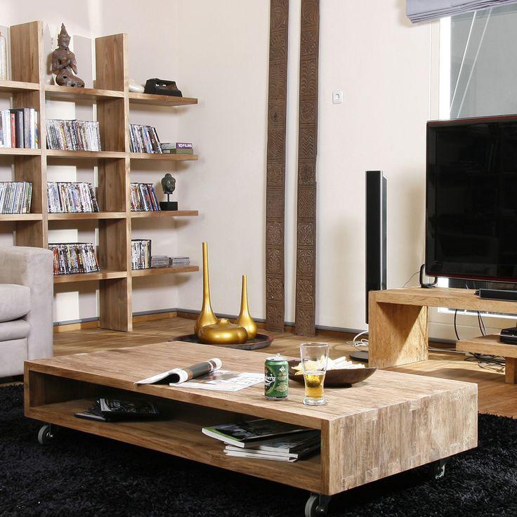 Стол журнальный из массива тика Iss 140 Массив тика —  стабильная, прочная и необыкновенно красивая древесина, устойчивая к перепадам температур.  http://www.teakhouse.ru/ru/mebel/table/zhurnalnye_stoly/